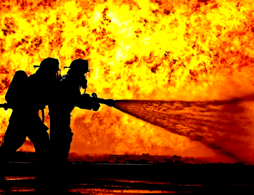 California Wildfire Burns out of control Hero Firefighters fight for lives, houses and land. Wildfires in California California Wildfire Burns out of control pray for California